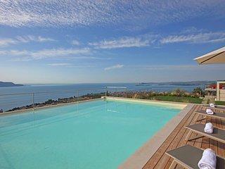 Luxury villa Benaco