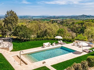 Luxury villa Avorio