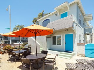 Spacious Top Floor Breezy Beach Duplex - Beach Living at an Affordable Price!