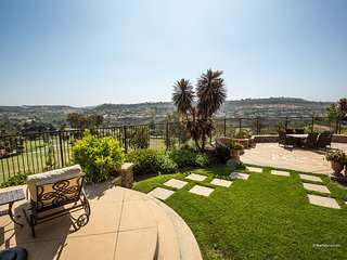 Stunning Home with Amazing Views and Minutes to All!