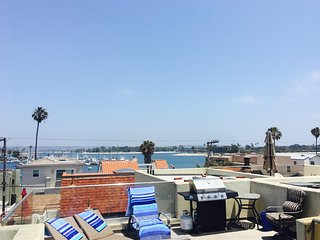Time to Play in the Sun - Views from your Roof-top Deck of the Beach & Bay!