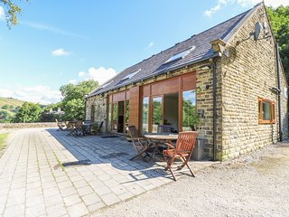 HOVE WOOD VIEW, pet friendly, Cragg Vale