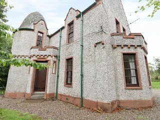 WEST LODGE, perfect for friends, near Kirriemuir