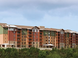 Wyndham's Great Smokies Lodge -indoor/outdoor waterpark included 8/26 thru 8/31