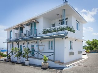 Rincon Surf Club Unit 2- a mile from Sandy Beach