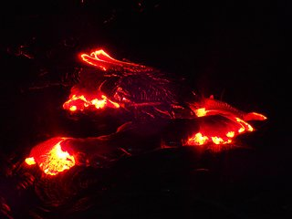 LAVA HALE - Living Close To The Flow - Once In A Lifetime Experience! Free Wifi