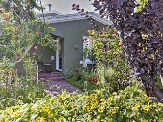 Oakland Home w/ Grill & Garden by Lake Merritt!
