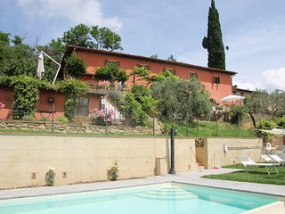 Restored Tuscan farmhouse with pool and views