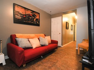 Newly Designed & Created Apt Mins From Center City