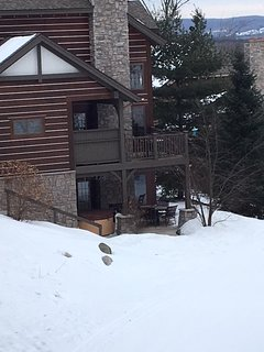 Boyne Mountain, Creekside Condo w/ private Hot Tub