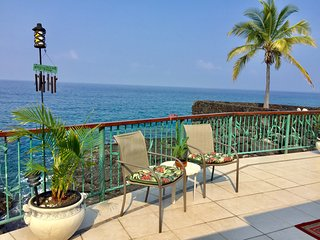 Koa Hale-Oceanfront Home 3 BR/3 BA Sleeps 8