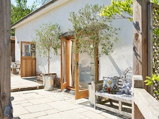 Small Barn Conversion in a Sunny Devon Village