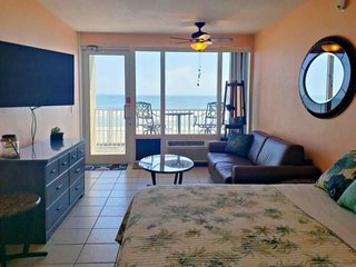 SPRING is the Best Time for a Couple's Getaway! The Oceanfront Weather is Perfec