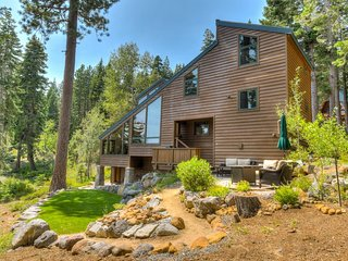 High End Tahoe City Home: Lake Views & Fire Pit