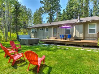 New Tahoe Pines Home, Private Yard, Pier, Hot Tub