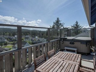 NEW LISTING! Central home w/hot tub, game room & shared pool -steps to beach