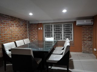 Kenyalang Urban Lodge (Standard Room w/shared Bathroom 1)
