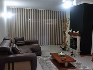 Apartamento moderno,3 quartos todo equipado para férias ou curtas estadias