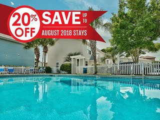 20% OFF Aug! Cottage Near Beach & Outlet Mall, Community Pool +FREE VIP Perks