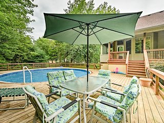NEW! Lambertville Home w/ Pool & Free Zoo Passes!