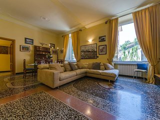 Genova Holiday Apartment 14448