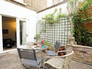 Family Friendly Garden Flat Sleeps 4 - Chiswick