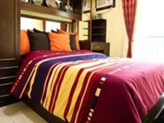 Cozy Condo at Center of Las Pinas City