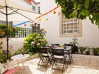 Chanceler Deluxe apartment in Alfama with WiFi & private terrace.