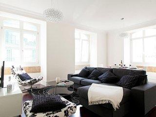 Spacious Baixa Deluxe III apartment in Baixa/Chiado with WiFi & air conditioning