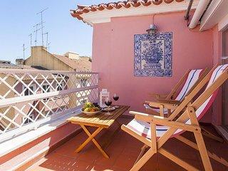 Spacious Estrela Views apartment in Estrela with WiFi & balcony.