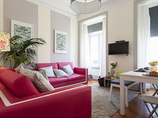 Spacious Downtown Pier IV apartment in Baixa/Chiado with WiFi.