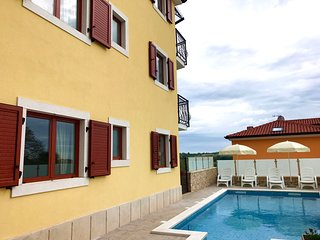 New nice Elia6 Savudrija, with pool, 2 bedrooms, free WiFi, near the beach, BBQ