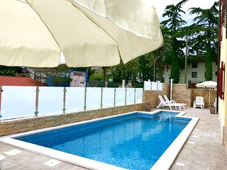 New family apartment Elia4 with pool, free Wifi, barbecue, private parking place