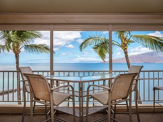 Oceanfront Menehune Shores 3BR w/ AC, Lanai, Stunning Views & Private Beach