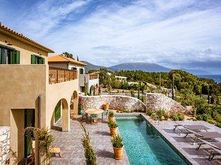 Fiskardo Villa Sleeps 4 with Pool and Air Con - 5658161