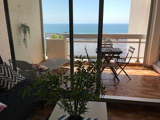 Exceptionnel ! Appartement vue imprenable sur mer.