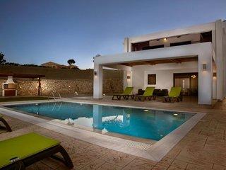 3 bedroom Villa in Lachaniá, South Aegean, Greece : ref 5658042