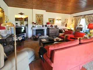 Marinhas Villa Sleeps 8 with Pool - 5658172