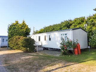 6 Berth Caravan in California Cliffs Holiday Park, Scratby Ref: 50001a