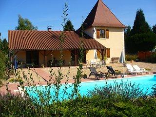 Perigordian Villa with private pool, ensuite bedrooms Brantome Dordogne France