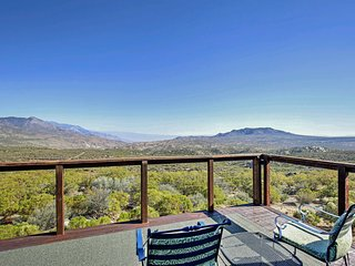 NEW! Mtn Getaway w/Patio & Views Over Palm Springs