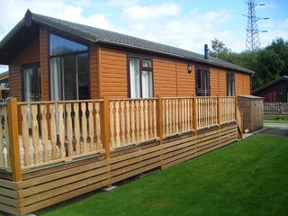South Lakeland 2 bedroom classic holiday lodge with superb five star amenities