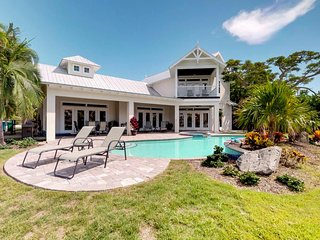 Dog-friendly home with a private spa and pool - waterfront too!