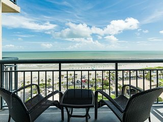NEW LISTING! Remodeled beachfront condo w/resort pool, hot tub, sauna, gym