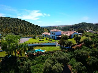 Villa Reina del Rio, luxury, rural, 18p, centrally between Sevilla and Ronda