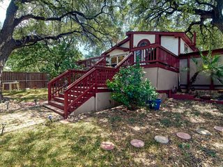 Original South Austin (Travis Heights) artist retreat just minutes from Downtown