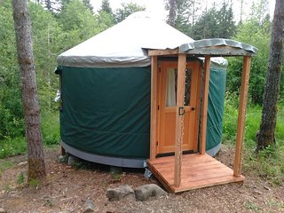 Cozy Glamping Yurt in Private Park Along Banks-Vernonia State Trail (D)