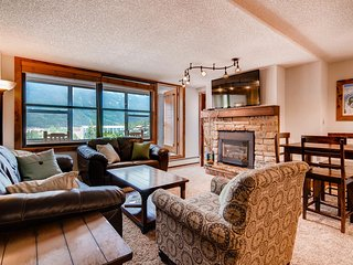 NEW! Large, clean corner unit with mountain view in the ♥ of Central Village!