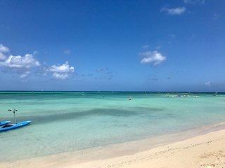 BRAND NEW 5 Bd, 6 bath Luxury Villa, walk to Ritz & Marriott hotels & Palm beach