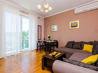 Apartment 900 m from the center of Dubrovnik with Internet, Washing machine, Air